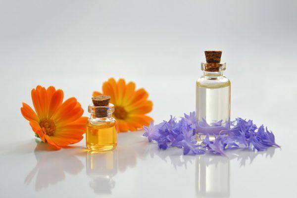 essential-oil-4065187_640